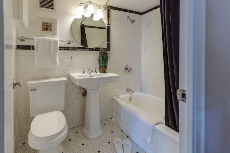 salle-de-bains-hall-de-l-habitat-renovation-maison-boutique-fenetres-interieur-pornichet-labaule-le-pouliguen-guerande-2