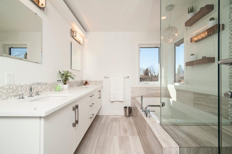salle-de-bains-hall-de-l-habitat-renovation-maison-boutique-fenetres-interieur-pornichet-labaule-le-pouliguen-guerande-5