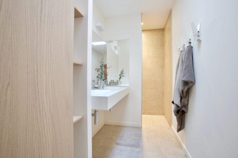 salle-de-bains-hall-de-l-habitat-renovation-maison-boutique-fenetres-interieur-pornichet-labaule-le-pouliguen-guerande-8