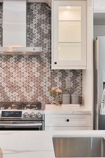 cuisine-moderne-hall-de-l-habitat-renovation-maison-boutique-fenetres-interieur-pornichet-labaule-le-pouliguen-guerande