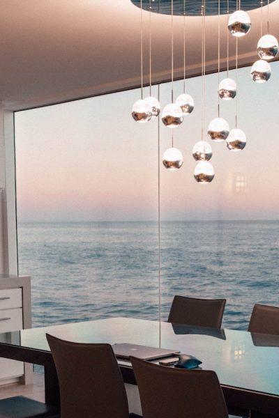 salle-a-manger-bord-de-mer-moderne-hall-de-l-habitat-renovation-maison-boutique-fenetres-interieur-pornichet-labaule-le-pouliguen-guerande